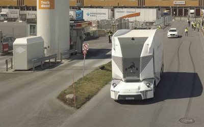 Einride's Driverless, Cabless Electric Trucks Hit the Mass Market
